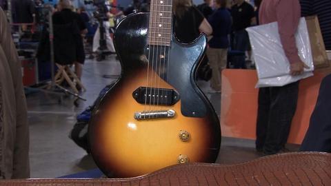 Antiques Roadshow -- S20 Ep13: Appraisal: 1957 Gibson Les Paul Junior Guitar