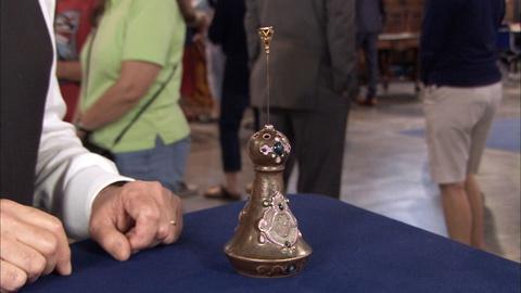 Antiques Roadshow -- S20 Ep14: Appraisal: Schafer & Vater Porcelain Hat Pin Holde
