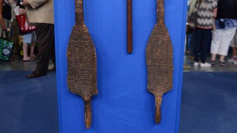 Antiques Roadshow -- S20 Ep17: Appraisal: Marquesas Islands Paddles & Club, ca. 1