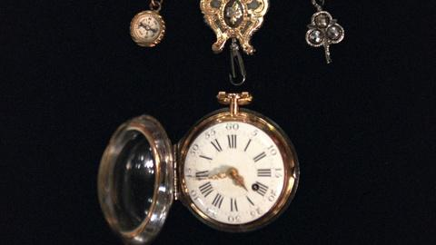 Antiques Roadshow -- S20 Ep20: Appraisal: Romilly Chatelaine & Watch, ca. 1750