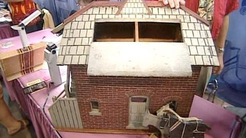Antiques Roadshow -- Appraisal: Toy Barn, ca. 1890