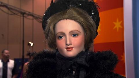 Antiques Roadshow -- S17 Ep2: Appraisal: Outfit Doll c. 1880s