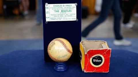 Antiques Roadshow -- S18 Ep12: Appraisal: Signed Beatles Baseball w/ Tix