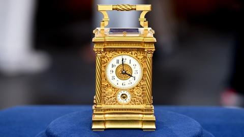 Antiques Roadshow -- S19 Ep1: Appraisal: Carriage Clock