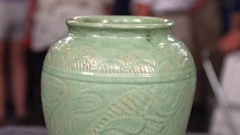 Antiques Roadshow -- S20 Ep22: Appraisal: Shearwater Pottery Vase, ca. 1945