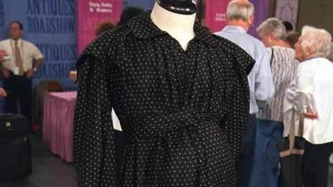 Antiques Roadshow -- S20 Ep22: Appraisal: Mourning Maternity Dress, ca. 1850