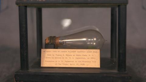 Antiques Roadshow -- S20 Ep23: Appraisal: 1884 Edison Light Bulb & Plaque
