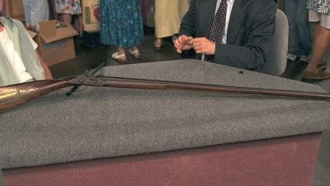 Antiques Roadshow -- S20 Ep23: Appraisal: Christian Beck Flintlock Rifle, ca. 181