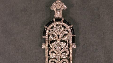 Antiques Roadshow -- Appraisal: Art Deco Diamond Pendant Brooch
