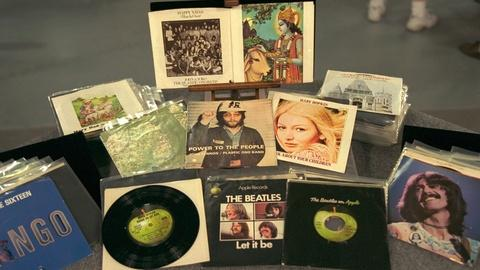 Antiques Roadshow -- Appraisal: Beatles Apple Records 45 Collection