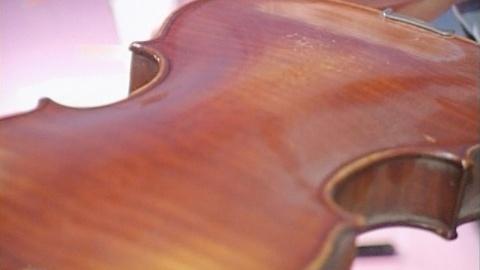 Antiques Roadshow -- Appraisal: Amédée Dieudonné Violin, ca. 1925