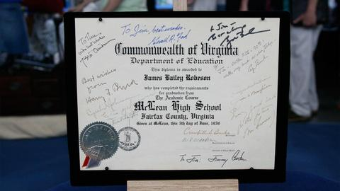 Antiques Roadshow -- S12 Ep19: Appraisal: Autographed Diploma with Presidential S