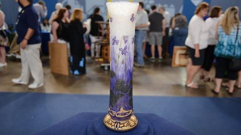 Antiques Roadshow -- S21 Ep1: Appraisal: Daum Nancy Cameo Glass Vase, ca. 1900