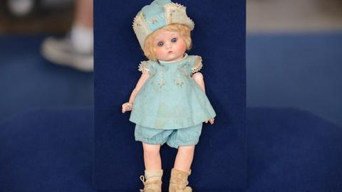 "Antiques Roadshow -- S21 Ep1: Appraisal: 1925 Armand Marseille ""Just Me"" Doll"