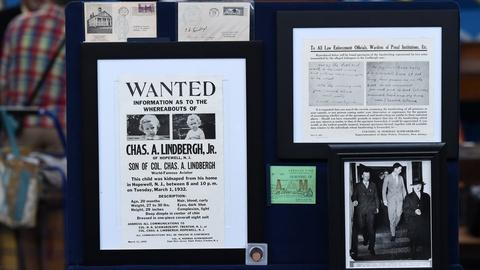 Antiques Roadshow -- S21 Ep4: Appraisal: Lindbergh Kidnapping Trial Archive, ca.