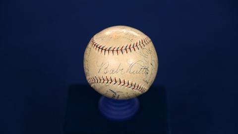 Antiques Roadshow -- S21 Ep5: Appraisal: 1928 New York Yankees Team-signed Baseba