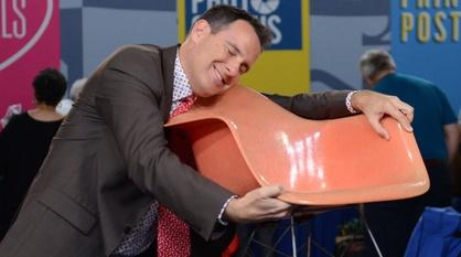 Antiques Roadshow -- Bonus: Appraisers In Love