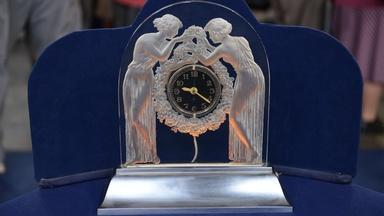 """Appraisal: René Lalique """"Deux Figurines"""" Clock, ca. 1935"""