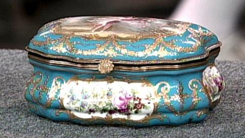 Antiques Roadshow -- S16 Ep23: Appraisal: French Porcelain Box, ca. 1900