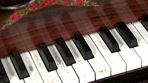 Antiques Roadshow -- S16 Ep23: Appraisal: Child's Square Piano, ca. 1855