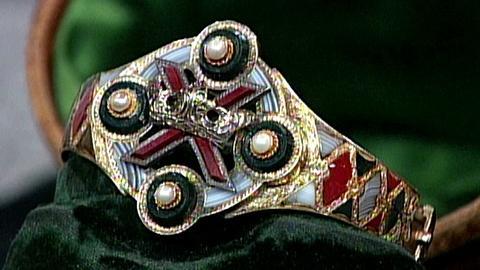 Antiques Roadshow -- S16 Ep24: Appraisal: Scottish Agate Bracelet, ca. 1860