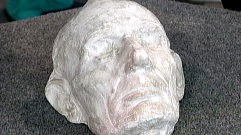 Antiques Roadshow -- S16 Ep24: Appraisal: Abraham Lincoln Life Mask, ca. 1880