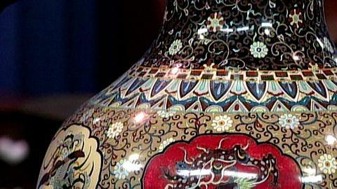 Antiques Roadshow -- S16 Ep24: Appraisal: Japanese Cloisonné Palace Vase