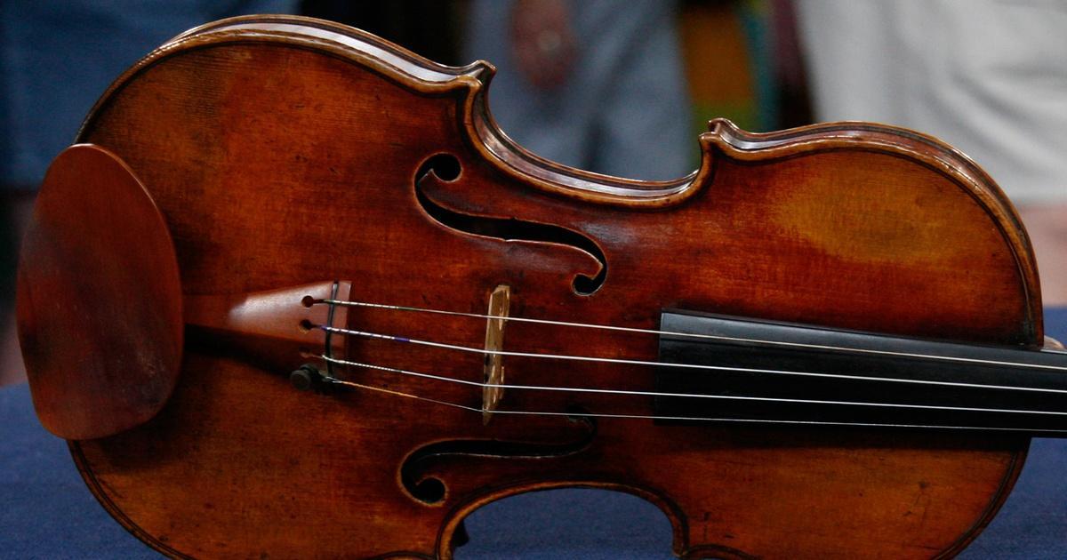 Appraisal: 1798 Nicolas Lupot Violin & Peccatte-style Bow