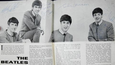 Antiques Roadshow -- S16 Ep20: Appraisal: Signed Beatles Program, ca. 1963
