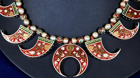 Antiques Roadshow -- S16 Ep20: Appraisal: Mughal Indian Reversible Necklace, ca.