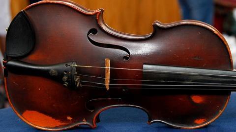 Antiques Roadshow -- S17 Ep1: Appraisal: 1922 Giuseppe Pedrazzini Violin