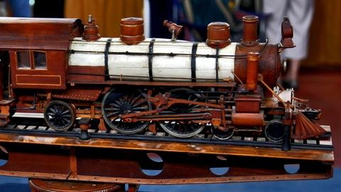 Antiques Roadshow -- S17 Ep2: Appraisal: Early 20th C. Prison Art Train Model