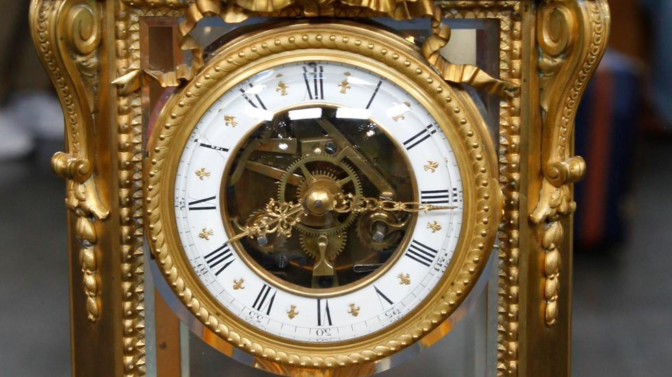 S17 Ep4: Appraisal: French Crystal Regulator Clock, ca. 1900 image