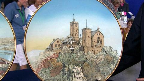 Antiques Roadshow -- S17 Ep9: Appraisal: 1907 Pair of Mettlach Plaques