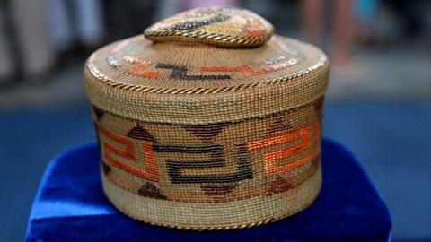 Antiques Roadshow -- S17 Ep9: Appraisal: Tlingit Spruce Root Rattle-Top Basket