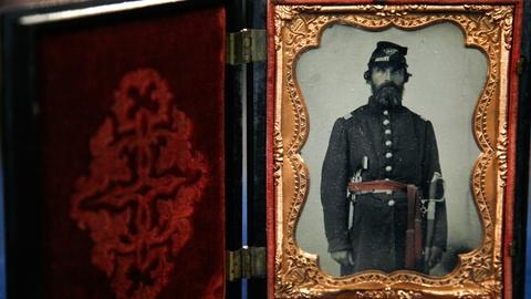 Antiques Roadshow -- S12 Ep11: Appraisal: Illinois Civil War Collection, ca. 1862
