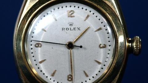 """Antiques Roadshow -- S12 Ep12: Appraisal: Rolex """"Bubbleback"""" Wristwatch, ca. 1940"""