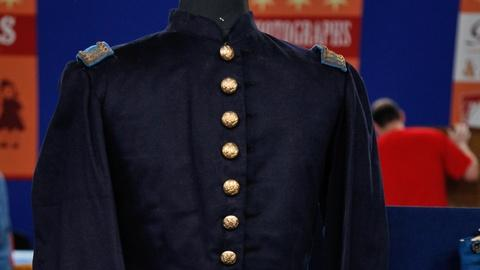 Antiques Roadshow -- S17 Ep10: Appraisal: Civil War Uniform Group, Mat Coat and P