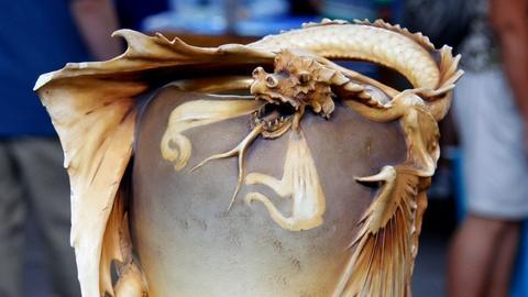 Antiques Roadshow -- S17 Ep11: Appraisal: Amphora Dragon Vase, ca. 1900