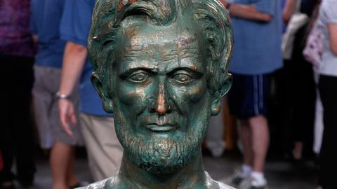 Antiques Roadshow -- S17 Ep12: Appraisal: Abraham Lincoln Bust, ca. 1880