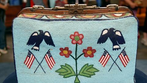 Antiques Roadshow -- S17 Ep14: Appraisal: Claymore Beaded Bag, ca. 1895