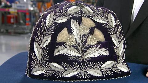 Antiques Roadshow -- S17 Ep16: Appraisal: Iroquois Tea Cozy, ca. 1900
