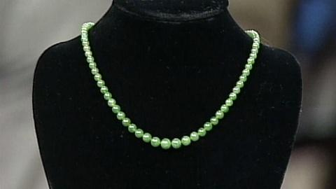 Antiques Roadshow -- S17 Ep27: Appraisal: Jade Beads with Tiffany Clasp