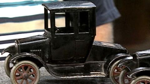 "Antiques Roadshow -- S17 Ep27: Appraisal: Buddy ""L"" Toys, ca. 1925"