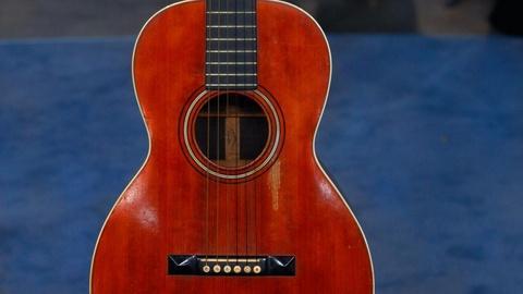 Antiques Roadshow -- S15 Ep6: Appraisal: C. F. Martin 0-28 Guitar, ca. 1895