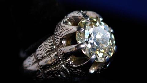 Antiques Roadshow -- S15 Ep9: Appraisal: Diamond & Platinum Ring, ca. 1925