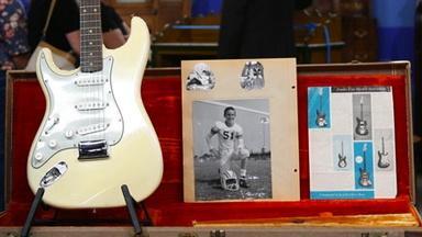 Appraisal:1962 Left-handed Olympic White Fender Stratocaster