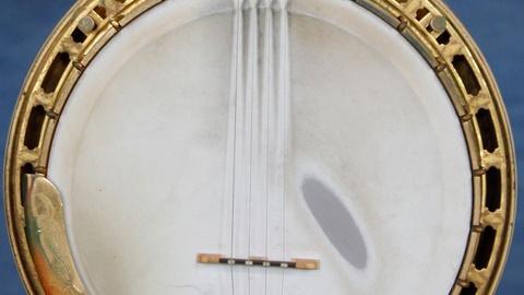 Antiques Roadshow -- S15 Ep7: Appraisal: 1927 Gibson Florentine Tenor Banjo