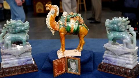 Antiques Roadshow -- S16 Ep9: Appraisal: Chinese Jade & Porcelain Figures, ca. 19