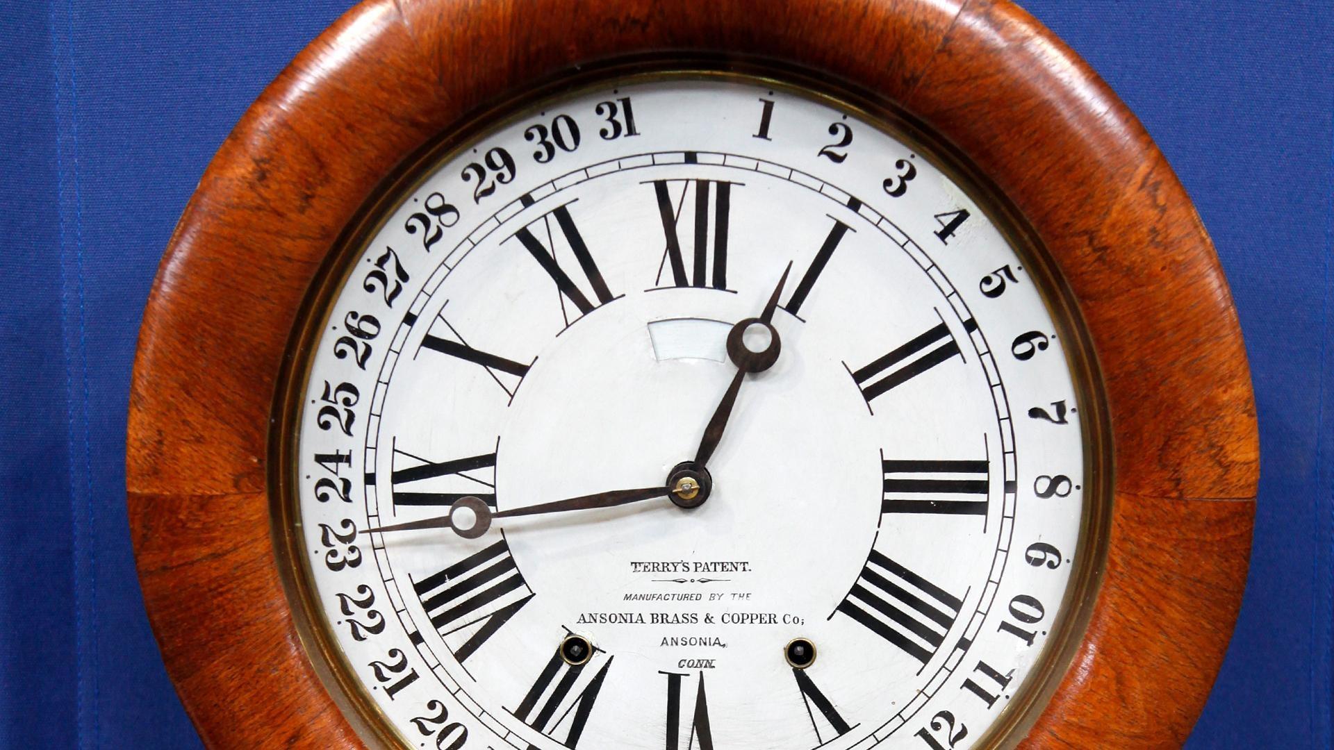 dating ansonia clocks